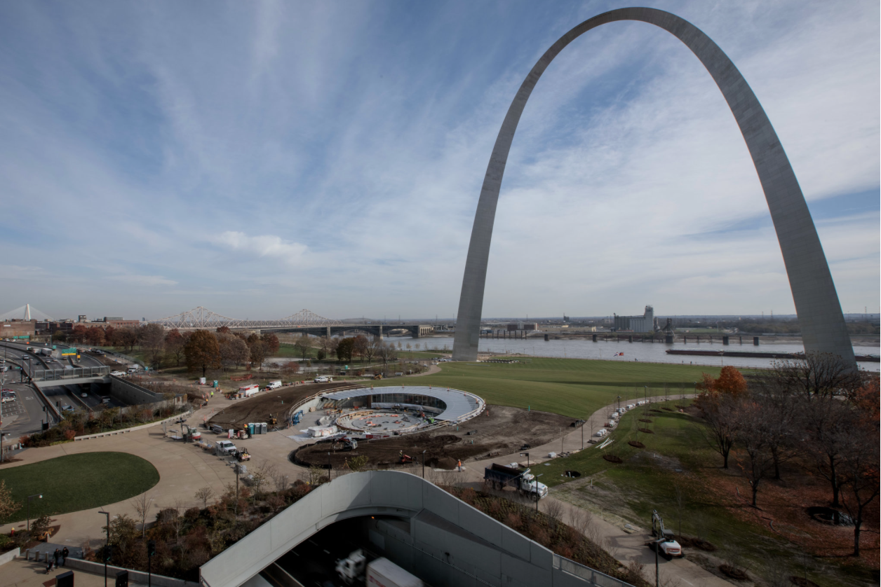 St. Louis Reconnects With the Gateway Arch and Its Pioneer Spirit